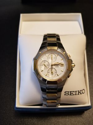 Seiko Two Tone Chronograph Watch for Sale in Las Vegas, NV