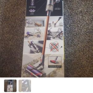 Dyson Cyclone V 10 Vacuum for Sale in Los Angeles, CA
