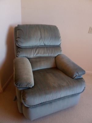 Sillonsitos reclinable limpio free (gratis) for Sale in Phoenix, AZ