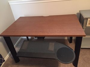 Computer Desk with Pullout for Keyboard and Mouse for Sale in San Antonio, TX