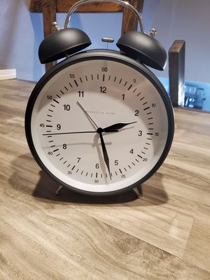 Magnolia Home Desk Clock for Sale in Perris, CA