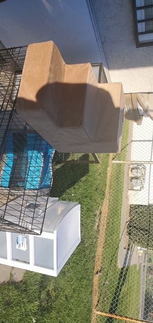 Dog crate and stairs. for Sale in Bakersfield, CA