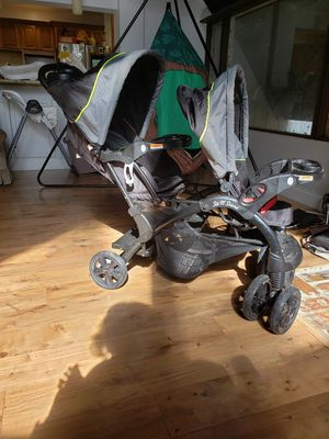 Sit n stand double stroller for Sale in Winter Haven, FL