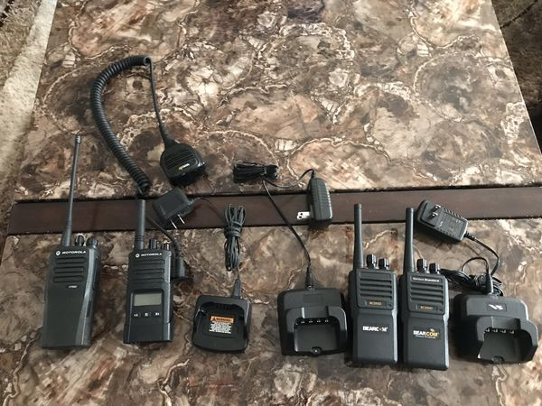 Motorola 2 way radios used but like new