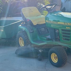 John Deere STX38 Riding Mower Lawn Tractor With Cart for Sale in Norco, CA