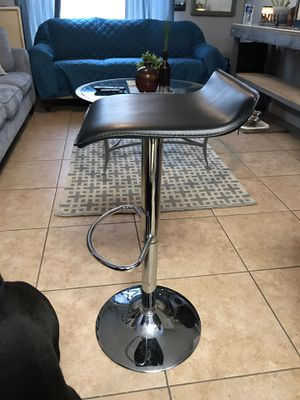 Black and silver bar stool for Sale in Largo, FL