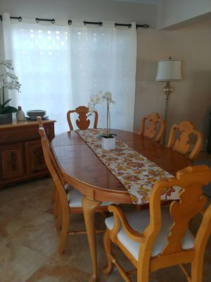 Dining Room 6 Chairs + Leaf & Matching Buffet Cabinet for Sale in Lighthouse Point, FL