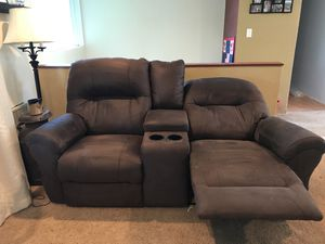 Staton reclining brown loveseat. Electrical reclining. for Sale in Everett, WA