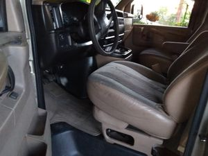 2003 chevy express 15 pass for Sale in Phoenix, AZ