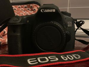 Canon EOS 60D (18-135 mm lens included) for Sale in Plano, TX