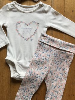 Baby Girl Clothes 🎀 Like New for Sale in Chicago,  IL