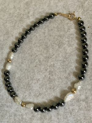 """Vintage 14k Solid Gold clasp, FreshWater Pearl , Gold Balls & Onyx beads bracelet Very pretty Measures 7 1/8""""L for Sale in Mountain View, CA"""