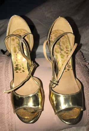 Golden high heels for Sale in St. Petersburg, FL