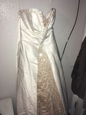 Wedding dress size 10-12 for Sale in Hesperia, CA