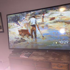 Vizio HD TV 65inch ( BARELY USED ) for Sale in Haymarket, VA