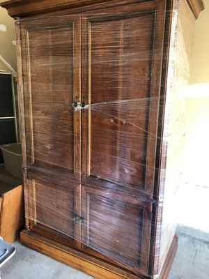 Solid wood armoir. Free, must get rid if it soon!! for Sale in Wexford, PA