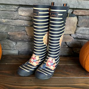 Joules Rubber Boots 8 (8.5 / 39) for Sale in Monroe, WA