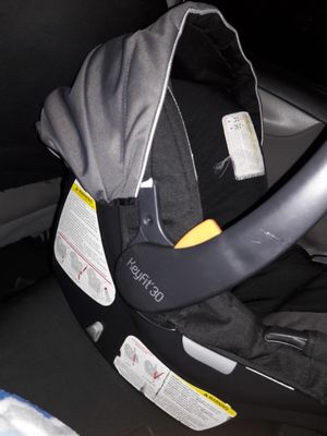 chicco car seat for Sale in Bellflower, CA