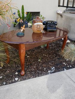 Oval Coffee Table And Or Bench for Sale in Los Angeles,  CA