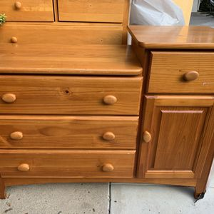 Solid wood changing table for Sale in Los Angeles, CA