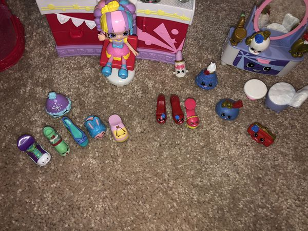 shopkins makeup spot , vanity , and shoe stop with doll