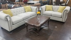 Traditional tufted sofa and loveseat for Sale in Sacramento, CA
