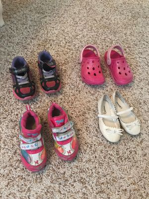 Toddler girl shoes sizes 7 for Sale in Darien, IL