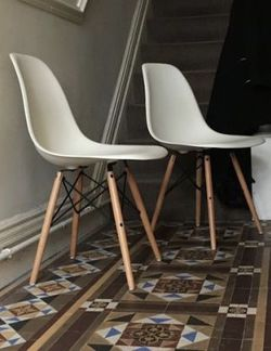 """NEW $50 for SET OF 2 Mid Century Modern Eames Style dining leisure DSW 18 wide x 31 inches tall seat height 17"""" chair 5 colors beige white black grey for Sale in Los Angeles,  CA"""