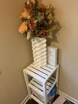 Bathroom table white for Sale in College Park, GA