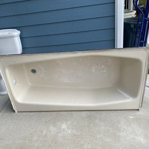 Cast Iron Bathtub for Sale in Lakeside, CA