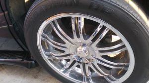 Trade or sale .GMC yukon rims 22s for Sale in Los Angeles, CA