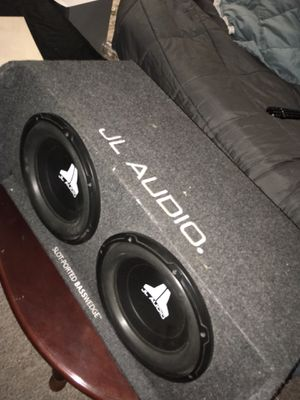 JL audio speakers 2 12s with pioneer 1000 w amp for Sale in St. Louis, MO