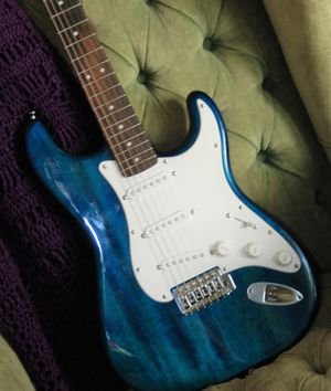 FENDER SQUIRE ELECTRIC GUITAR for Sale in Wadsworth, OH