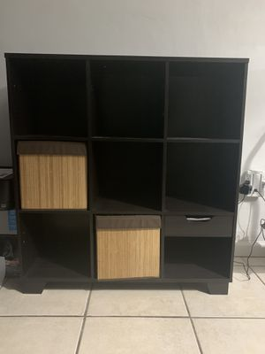 Bed bath & beyond storage organizer/book shelf in black for Sale in Miami, FL