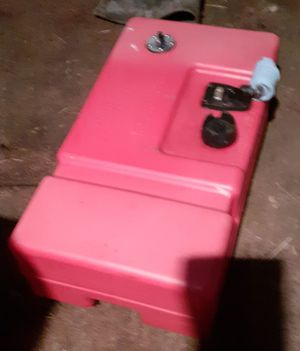 12 gallon Boat Fuel Tank, with gauge. for Sale in Lynnwood, WA