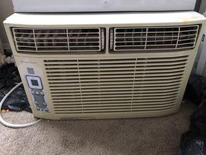 Aire acondicionado en excelente condiciones hela bien for Sale in Hyattsville, MD