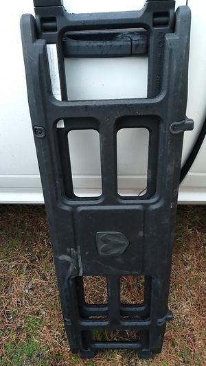 RAM TAILGATE EXTENDER WITH KEY for Sale in New Bern, NC