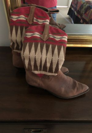 Women's cowboy boots for Sale in Tamarac, FL
