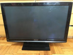 """42"""" Panasonic Viera TV (With Wall Mount and Stand) for Sale in San Diego, CA"""