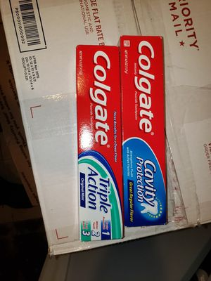 Toothpaste pick up only. 15 for $10.00 for Sale in Naugatuck, CT