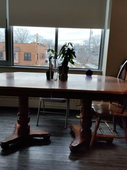Dining Room Table Pecan for Sale in Lakewood,  OH