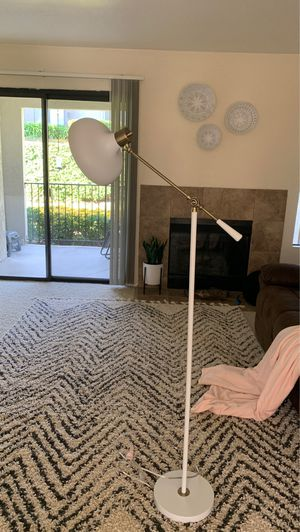 White & Brass Threshold Target Floor Lamp for Sale in Chino Hills, CA