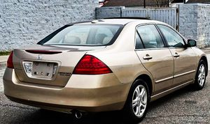 Price $$8OO Honda Accord 2006 One Owner! Excellent Condition for Sale in New York, NY