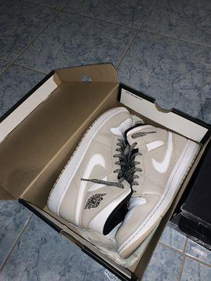 Jordan 1 mid 8.5 for Sale in Ontario, CA
