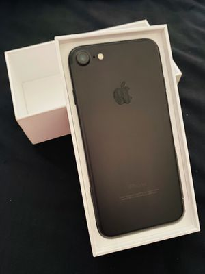 iPhone 7 32 GB unlocked for Sale in North Chicago, IL