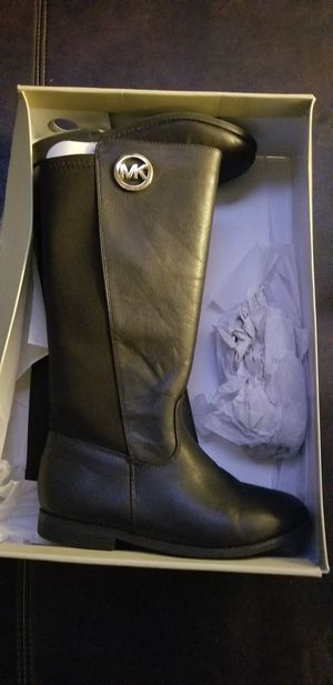 Michael Kors little girl boots for Sale in Mesquite, TX
