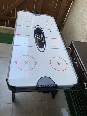 Air hockey table for Sale in Mesquite, TX