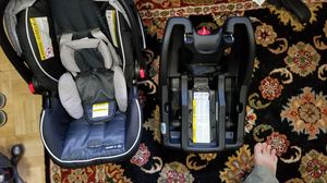 Graco Snugride 35 Car Seat and Base for Sale in Scarsdale, NY