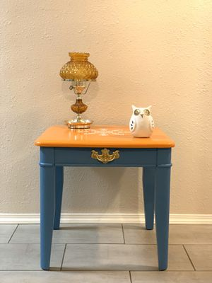 """One End Table ( L 24"""" X W 23.5"""" X H 23"""" ) for Sale in Tacoma, WA"""