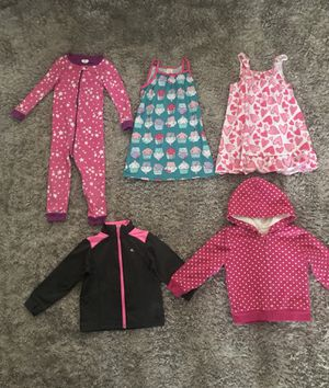 ***LIKE NEW AND GENTLY USED CLOTHES*** 3T TODDLER BABY GIRL PJS AND SWEATERS - CARTERS, GYMBOREE AND THE CHILDRENS PLACE- 💲15 FOR ALL‼️ for Sale in Houston, TX